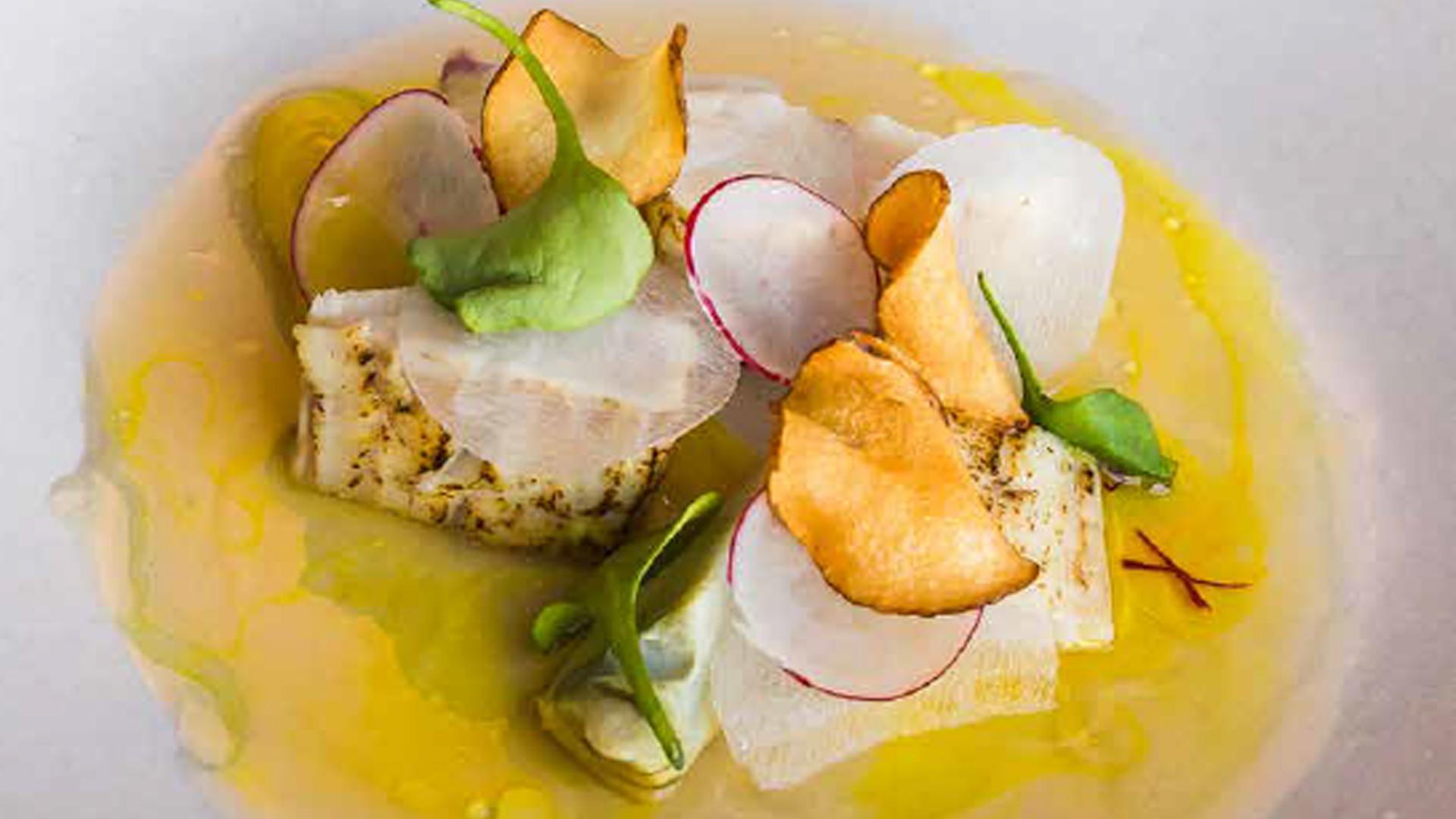 Recept: kingfish, aardpeer, saffraan, dashi